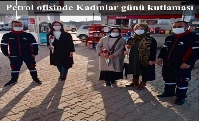 Petrol ofisinde Kadınlar günü kutlaması