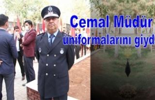 Cemal Müdür üniformalarını giydi
