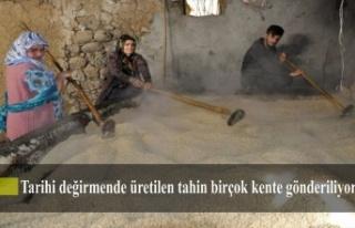 Çukurca'da tarihi değirmende üretilen tahin...