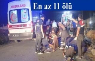 Mültecileri taşıyan minibüs devrildi; en az 11...